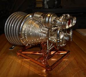 Accurate Models 1 20 Rocketdyne F-1 Engine