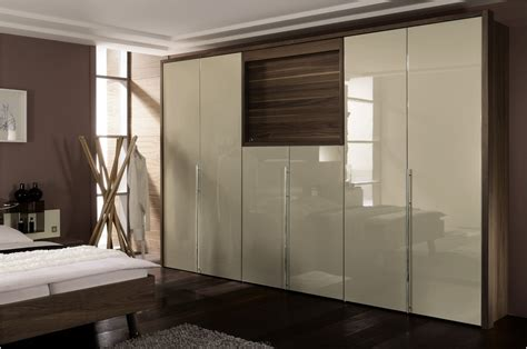Master Bedroom Wardrobe Design Ideas by Let Us Get Into The World Of Modern Wardrobes