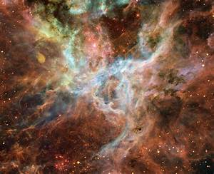 Tarantula Nebula - 30 Doradus (NGC 2070)   Constellation Guide