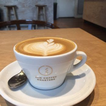 Elm coffee是我在前往西雅圖的帽子名店ebbet's field flannel 無意間經過的,位在pioneer square附近。 ▲ elm coffee的周邊商品. Elm Coffee Roasters - 272 Photos & 208 Reviews - Coffee & Tea - 240 2nd Ave S, Pioneer Square ...