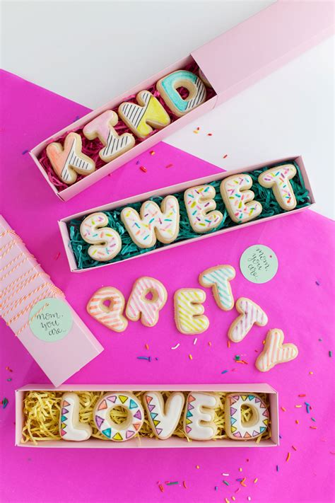 mothers day cookie cards  love  party