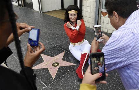 tvs  woman lynda carter added  walk  fame