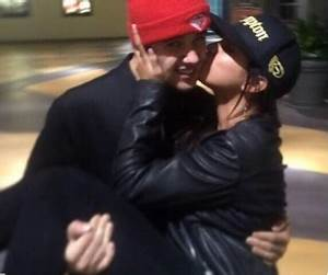Justin Bieber and Selena Gomez Kissing Instagram Pic: Back ...