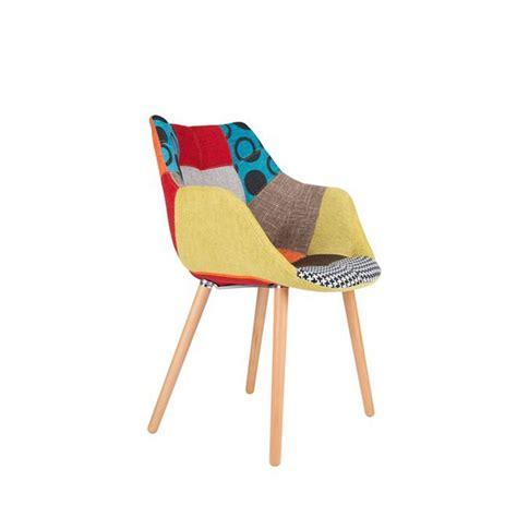 chaises capitonn es chaises lounge twelve patchwork capitonnées grises et