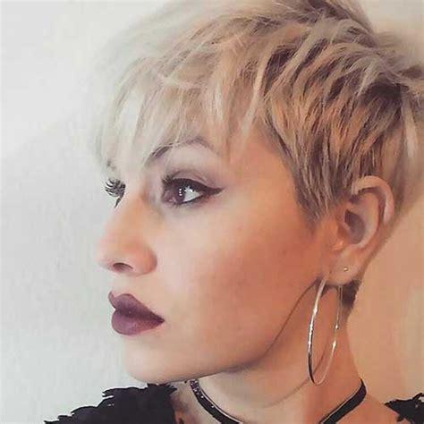 chic short hair ideas  bangs