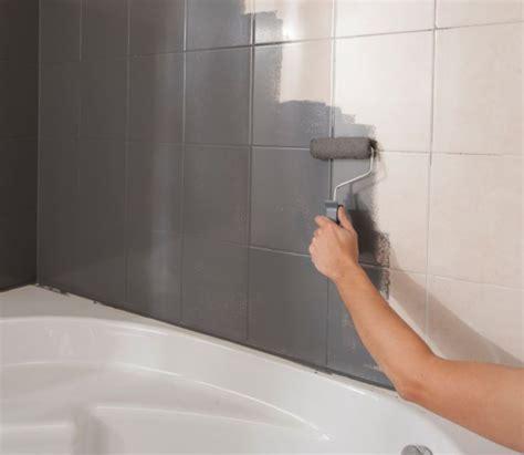 peinture pour carrelage choisir une peinture pour la salle de bains castorama