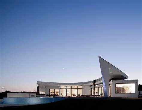 elegant  contemporary house  mario martins architects