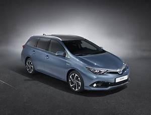 Toyota Auris Break Hybride : fiche technique toyota auris touring sports hsd 136h tendance l 39 ~ Medecine-chirurgie-esthetiques.com Avis de Voitures