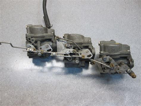 Outboard Motors For Sale On Ebay Uk by 385852 385803 Evinrude Johnson Outboard Carburetor 65 Hp