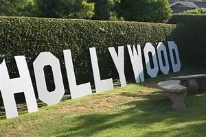 Hollywood Kostüme Ideen : die besten 25 hollywood dekorationen ideen auf pinterest hollywood party dekorationen ~ Frokenaadalensverden.com Haus und Dekorationen