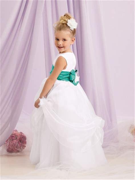 princess scoop floor length white organza puffy