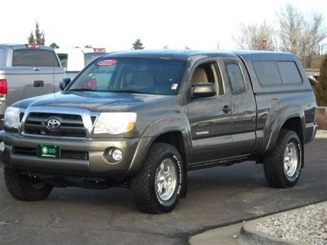 Charcoal grey Toyota Tacoma access cab with cap   Tacoma