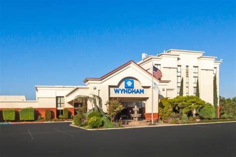 Lamp Liter Inn Visalia California by Wyndham Visalia Ca Hotel Reviews Tripadvisor