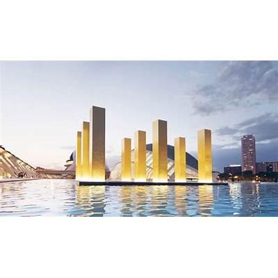 Nueve columnas de Heinz Mack sostienen el cielo valenciano