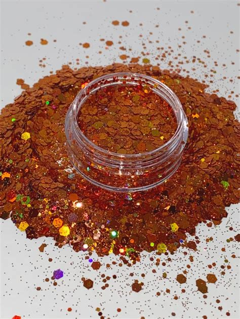 LUXE GLITTERS & PIGMENTS