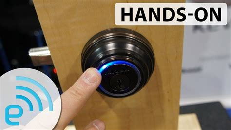 keyless entry house hands on with kwikset and unikey s kevo keyless entry system engadget at ctia 2013 youtube