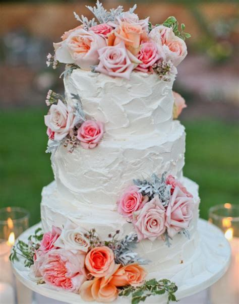 Simple But Beautiful Wedding Cake Using Fresh Flowers I