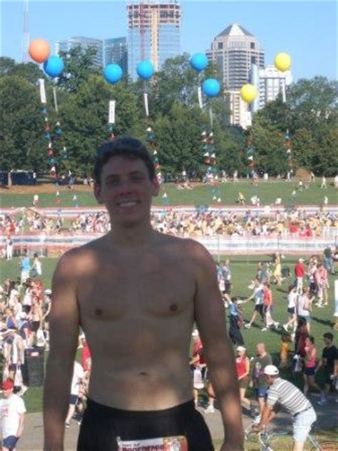 peachtree-road-race-finish-shirtless - Serious Running ...