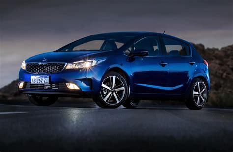 Kia cerato is available in the model of sedan and hatchback. Kia lanzó el Cerato mexicano en Argentina - Mega Autos