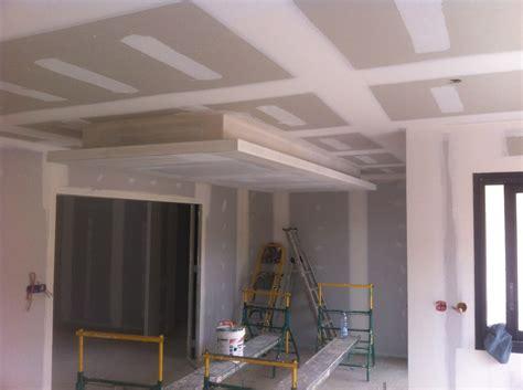 plafond en placo suspendu cr 233 ation d un plafond suspendu d 233 coratif 12 photos sarl durou fils hagetmau