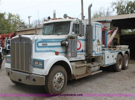 truck wreckers kenworth 1982 kenworth w900 semi wrecker truck no reserve auction