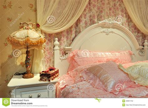 chambre fleurie flowery bedroom for stock photography image 20851752