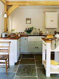 35 Cozy And Chic Farmhouse Kitchen Décor Ideas - DigsDigs
