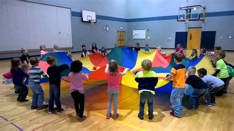 2014 kindergarten parachute 850 | maxresdefault