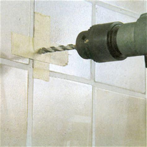 enlever du carrelage sans le casser comment percer du carrelage sans le casser truc astuces