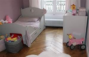 Lit Enfant 3 Ans : la chambre rose de juliette kopines ~ Teatrodelosmanantiales.com Idées de Décoration