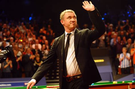 stephen hendry claims world championship   leave