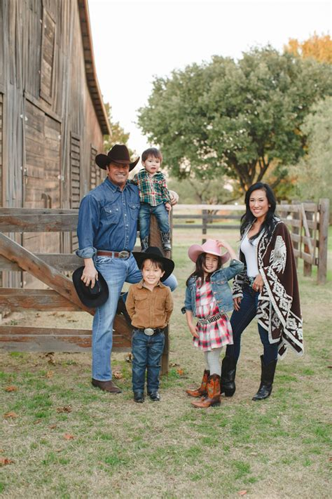 Merry Christmas Yall Western Family Photos From