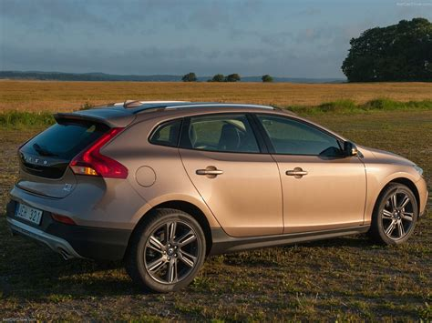 Volvo V40 Cross Country Picture by Volvo V40 Cross Country 2014 Picture 21 1600x1200