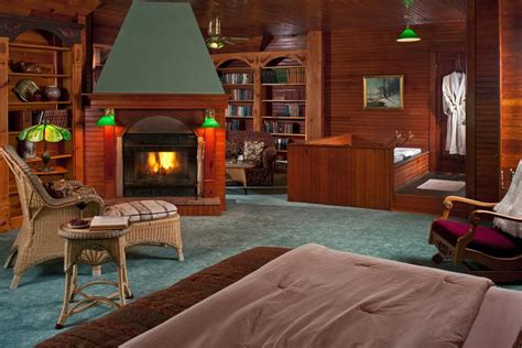 bayfield wi hotel romantic getaways  northern wi