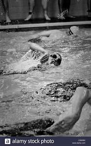 Concurrents En Anglais : natation concurrents combattre dans un vide sanitaire avant pendant un v nement de triathlon ~ Medecine-chirurgie-esthetiques.com Avis de Voitures