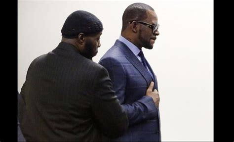 R Kelly Taken Into Police Custody After Failing To Pay
