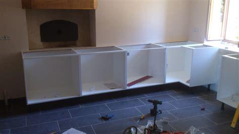 caisson meuble de cuisine et la cuisine c 39 est ikéa renovation d 39 une