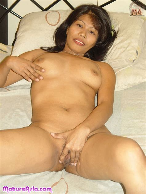 Sexy Older Filipino Amateur Asian Milf Getting Naked And