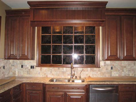 chocolate glaze kitchen cabinets mckinley cherry chocolate glaze by shenandoah cabinetry 5404