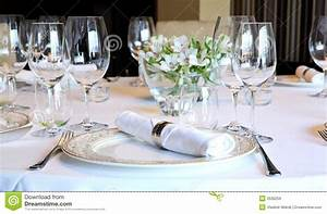 Table A Diner : fancy table set for a dinner stock image image of dinner flower 3536259 ~ Teatrodelosmanantiales.com Idées de Décoration