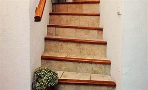 Changer De Carrelage Sans Enlever L Ancien : r nover enti rement le carrelage d un escalier ~ Melissatoandfro.com Idées de Décoration