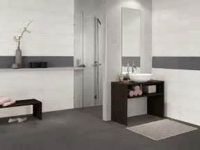 badezimmer fliesen ideen grau die besten 17 ideen zu badezimmer mit mosaik fliesen auf badezimmerideen und