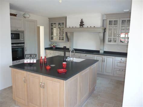 meuble cuisine gris clair cuisine equipée chêne clair cuisines liebart