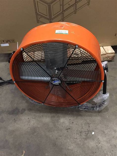 max air pro fan max air pro 24 in tilt fan in like new condition kx real