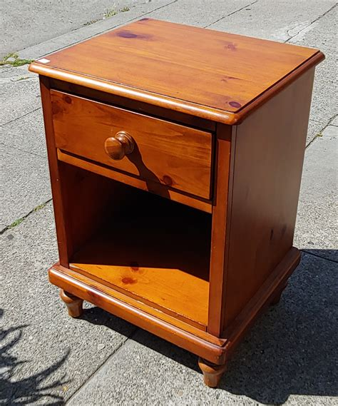 20 Inch Wide Nightstand by Uhuru Furniture Collectibles Sold 27974 Varnished Pine