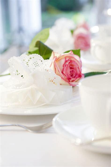 Tortehochzeitdekorverzierenblumen