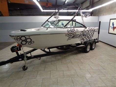 Mastercraft Boats Warranty by Epic 21v Wakeboard Boat New Factory Warranty Tower