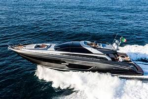 Riva 88 Domino Super Dreamline Yachts