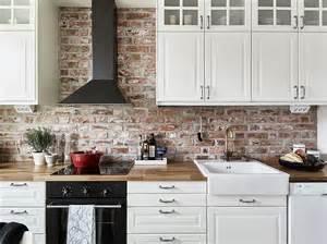 rustic kitchens ideas pintar o no pintar una pared interior de ladrillo visto