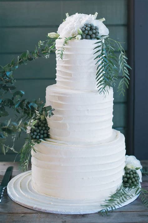 imogen bens elegant waterside wedding